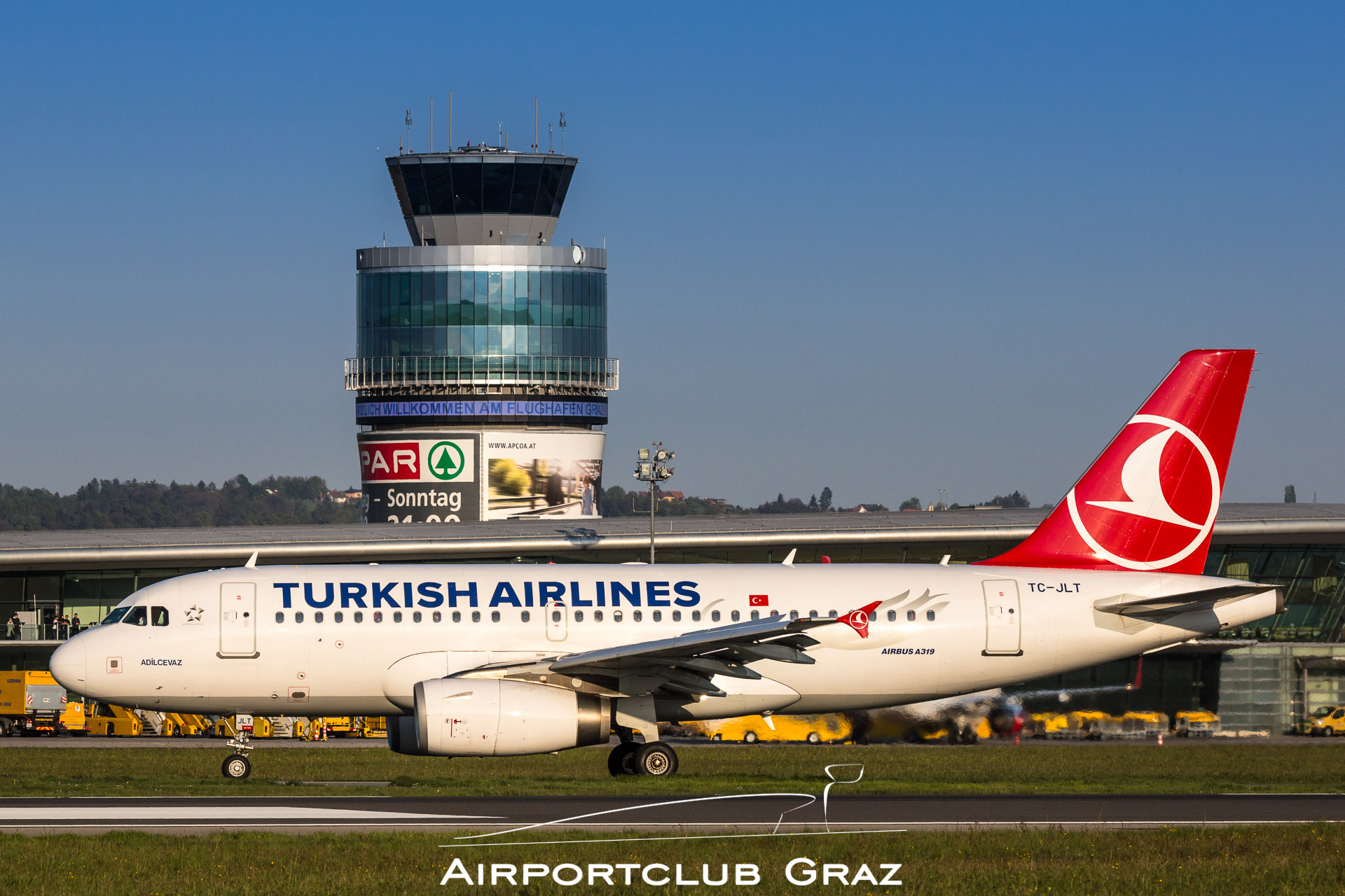 Turkish Airlines Airbus 319-132