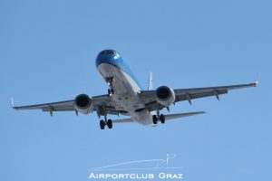 KLM Cityhopper Embraer 190 PH-EZI