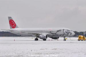 Niki Airbus 320-214 OE-LEB