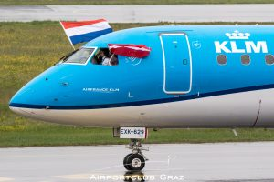 KLM Cityhopper Embraer 175 PH-EXK