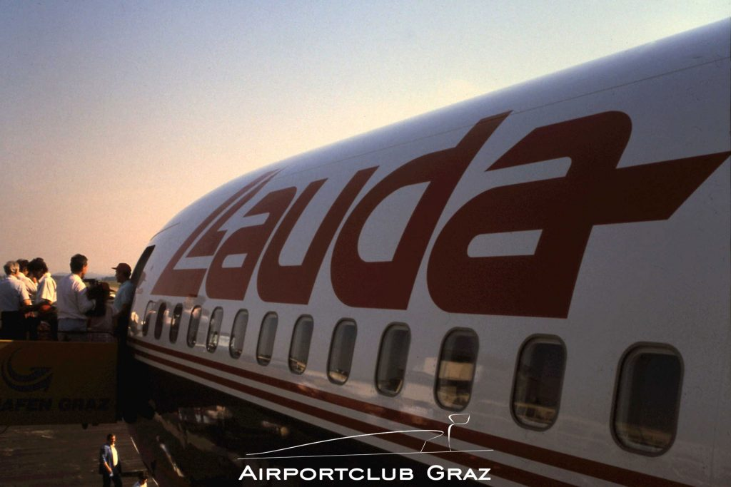 Lauda Air Boeing 767-3Z9ER OE-LAU