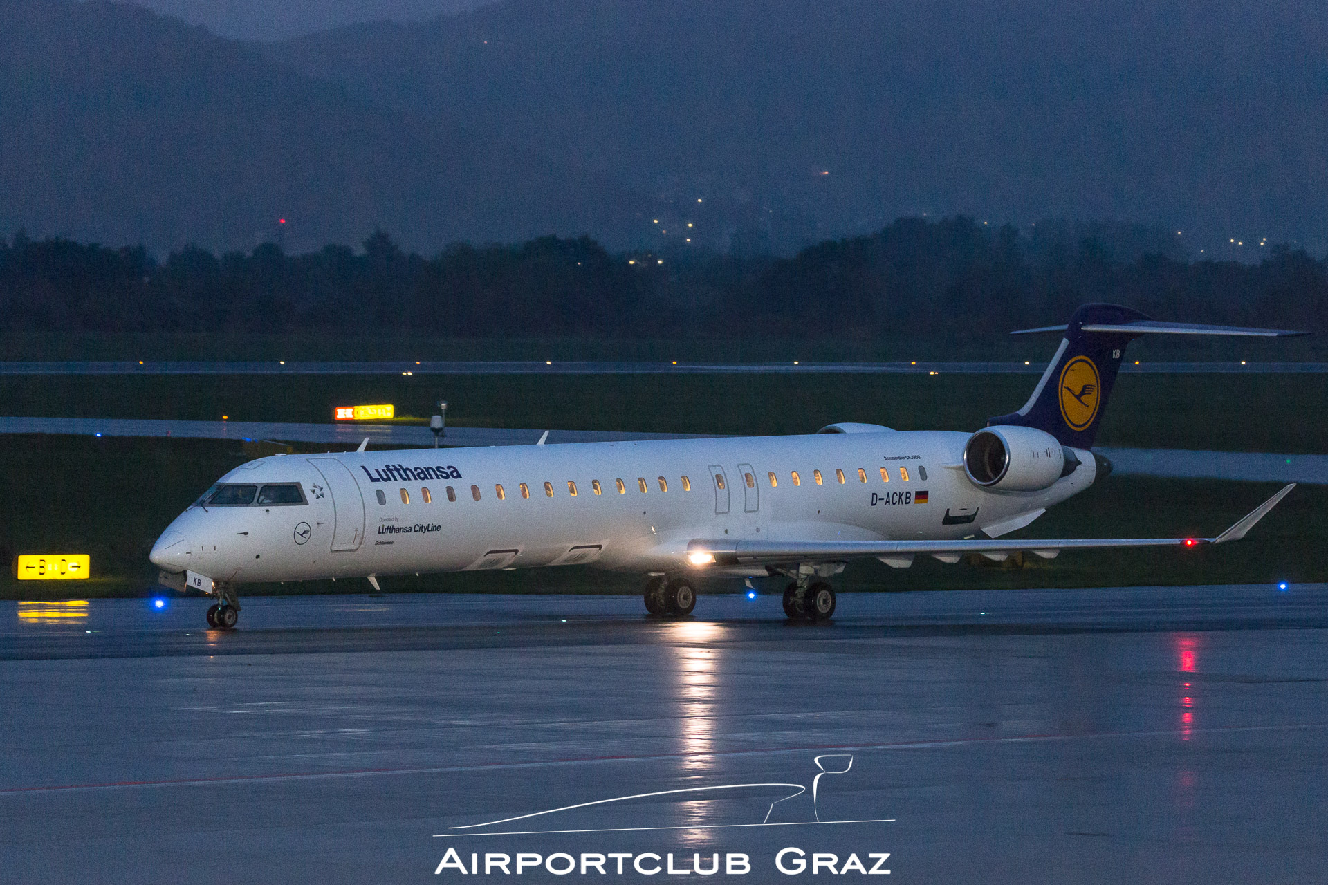 Lufthansa Cityline CRJ-900 D-ACKB