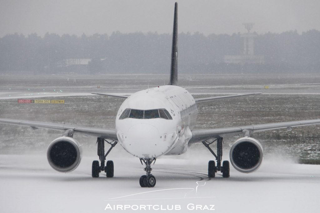 Swiss Airbus 320-214 HB-IJO