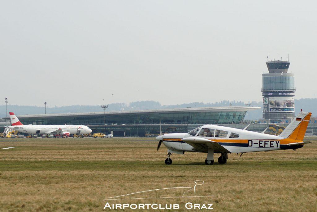 Motorflug Graz Piper PA-28R-200 Cherokee Arrow D-EFEY