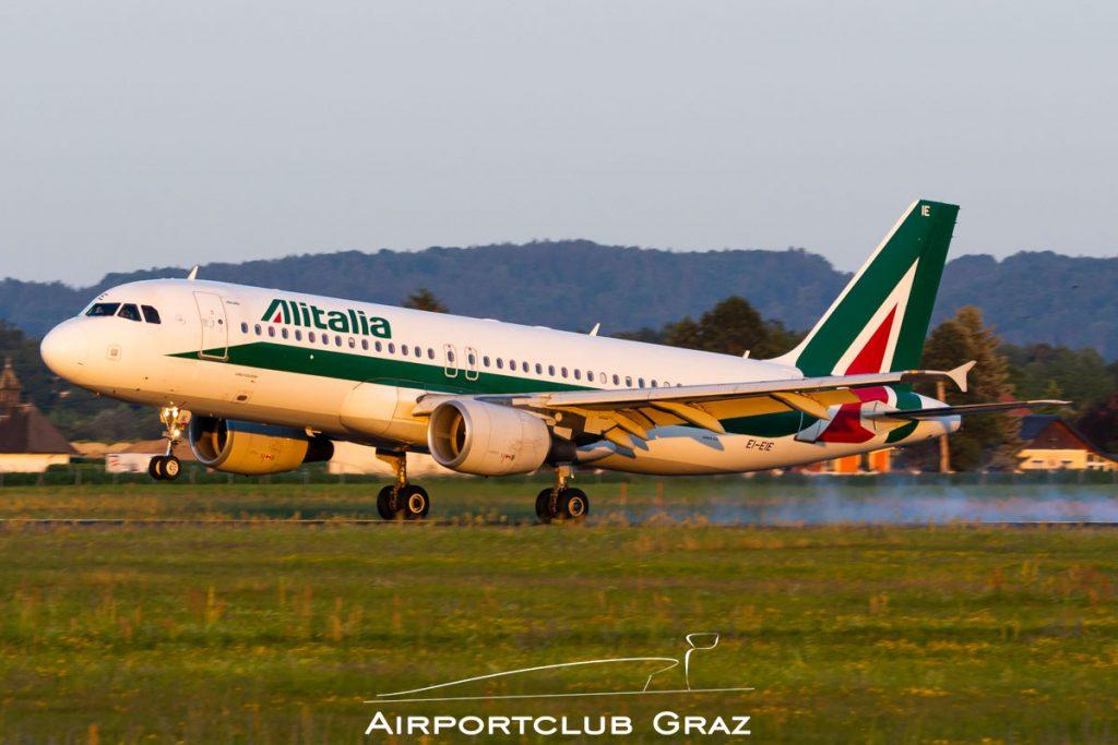 Alitalia Airbus A320-216 EI-EIE