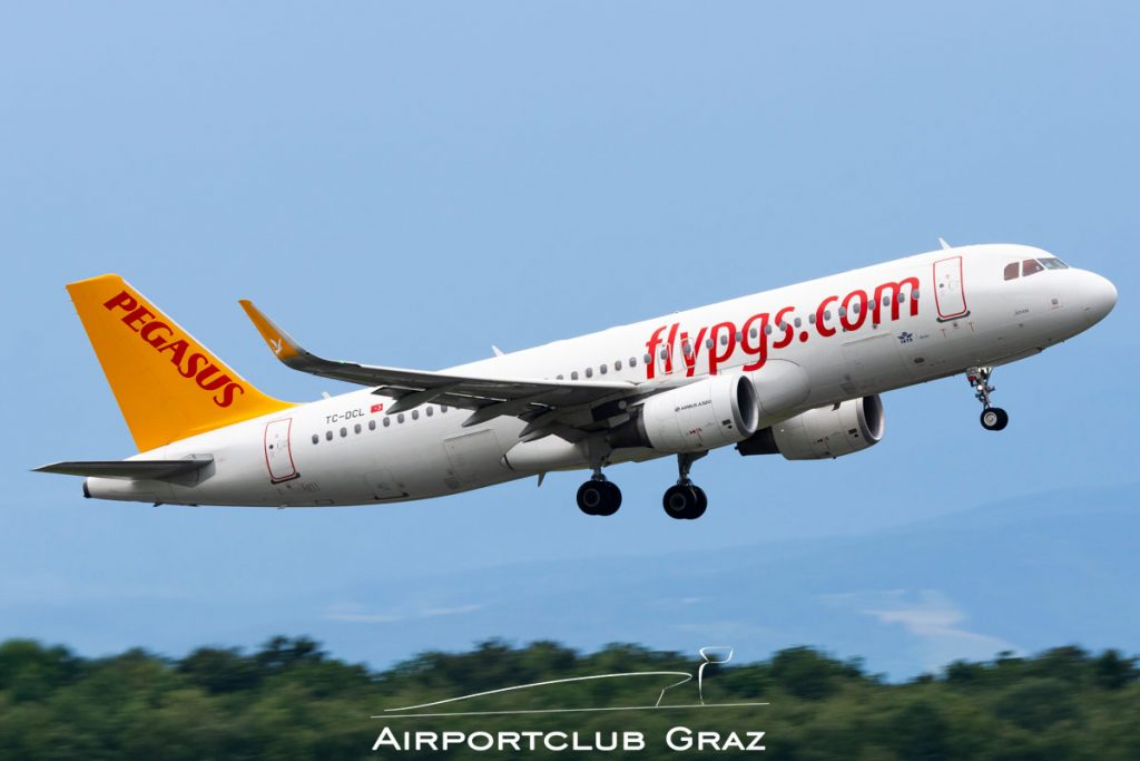 Pegasus Airlines Airbus A320-214 TC-DCL
