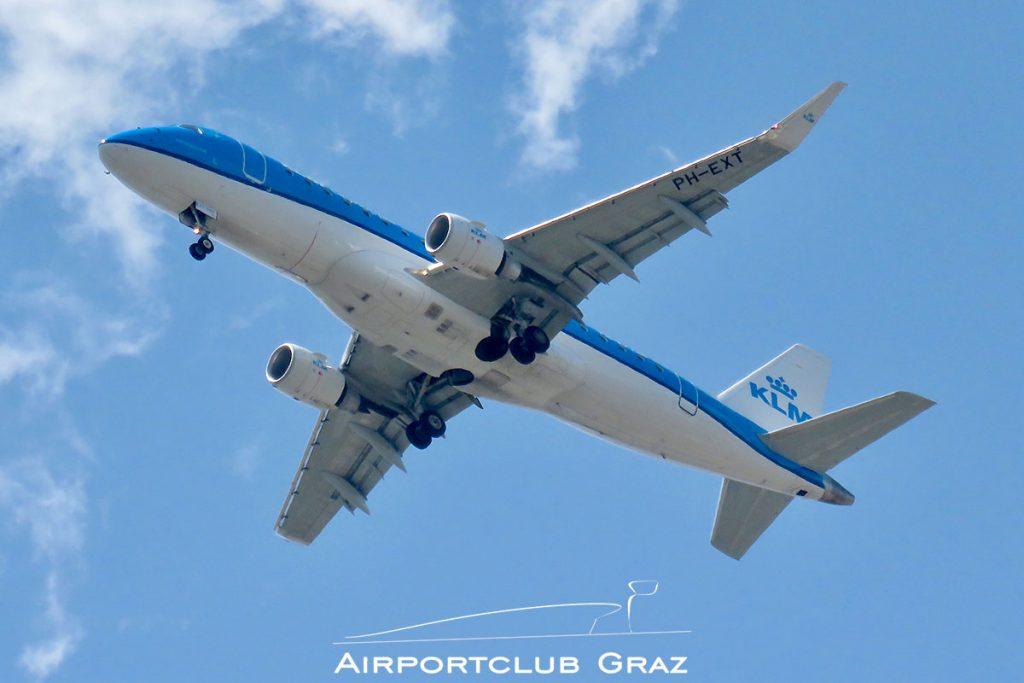 KLM Cityhopper Embraer 175 PH-EXT