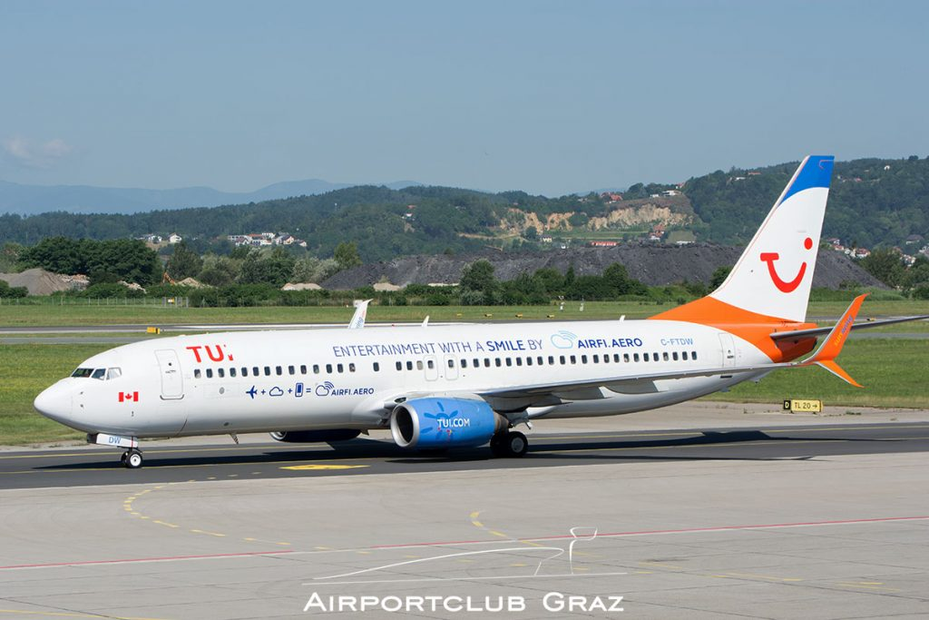 Sunwing Airlines Boeing 737-808 C-FTDW