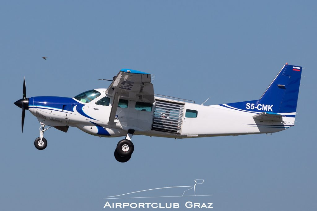 Aviofun Cessna 208 Caravan S5-CMK
