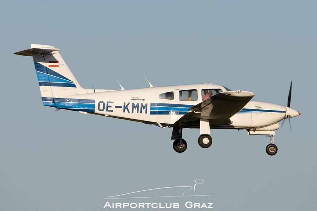 Piper PA-28RT-201T Turbo Arrow IV OE-KMM