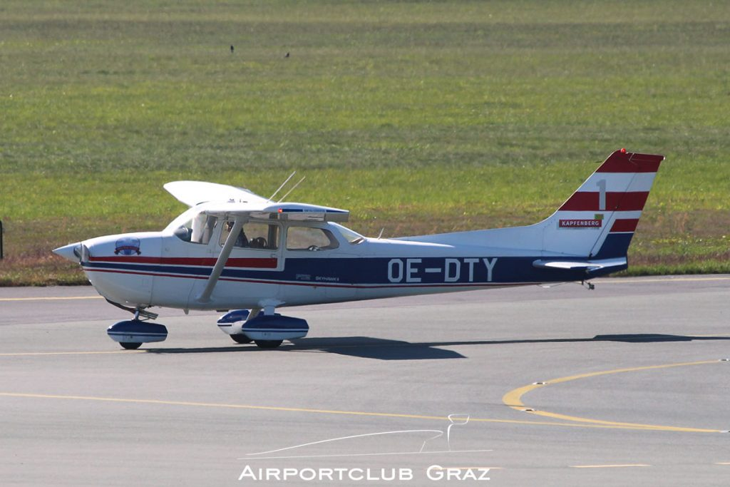 White Wings Formation Cessna 172 OE-DTY