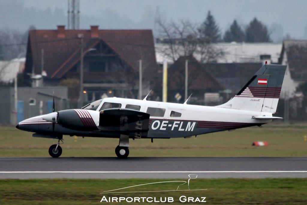 Punitz Flug Piper PA-34-220T Seneca III OE-FLM