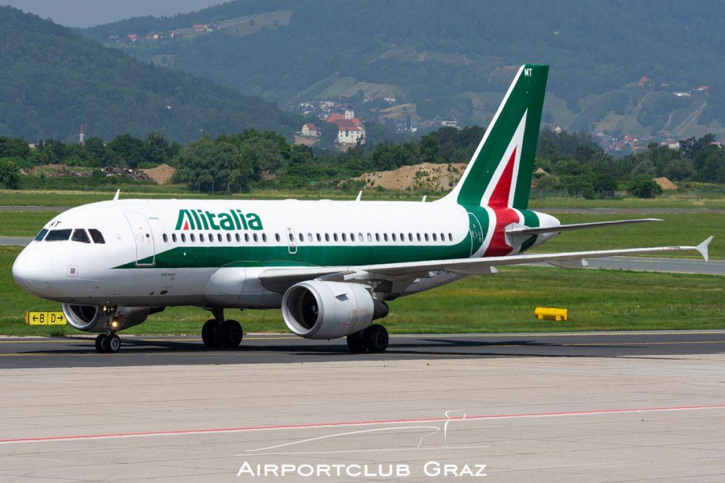 Alitalia Airbus A319-111 EI-IMT