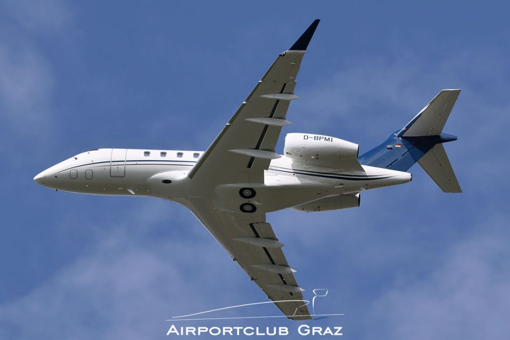 Papier-Mettler Bombardier BD-100-1A10 Challenger 350 D-BPMI